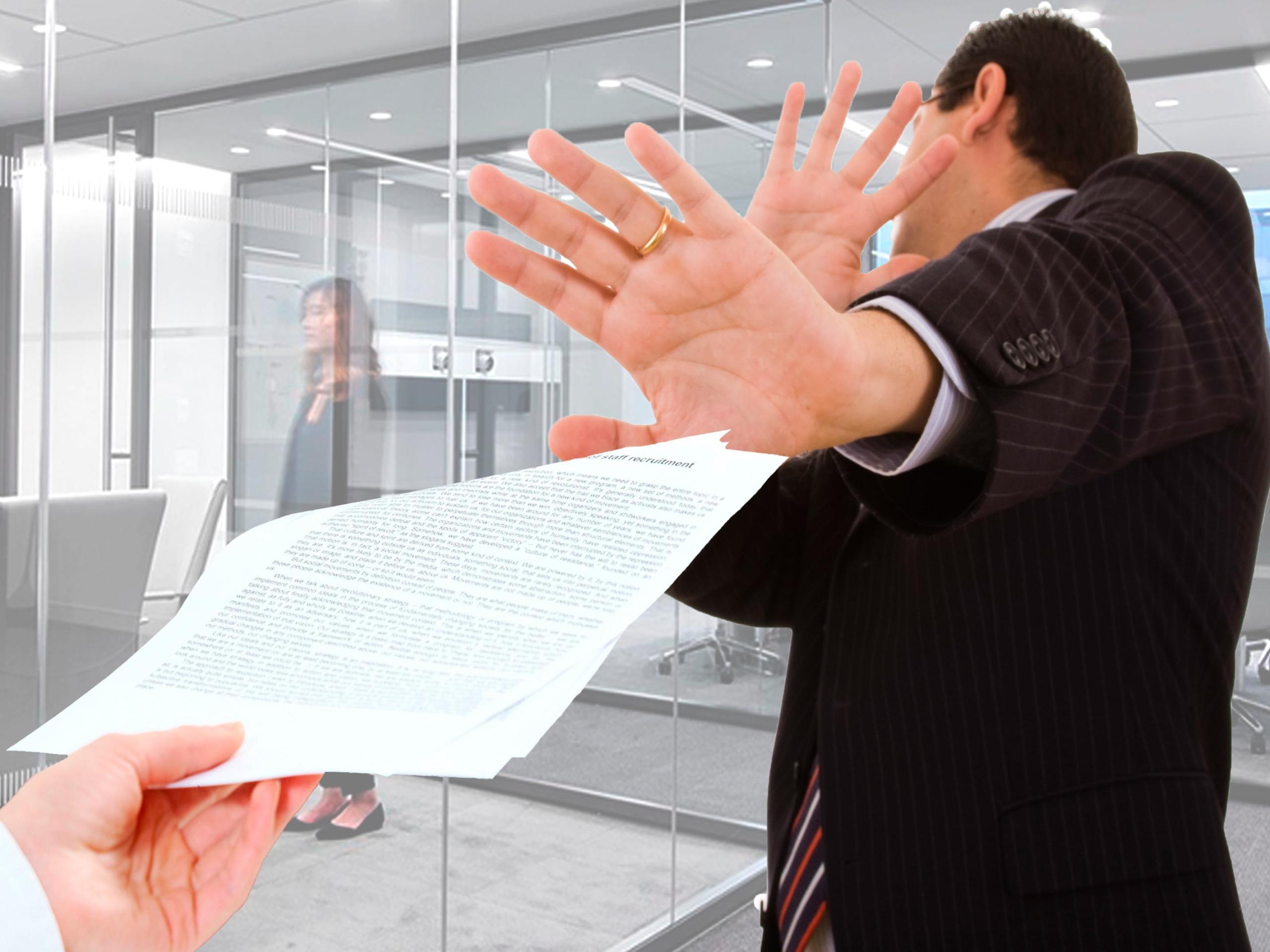 Бизнесмен уклоняется от требования об оплате