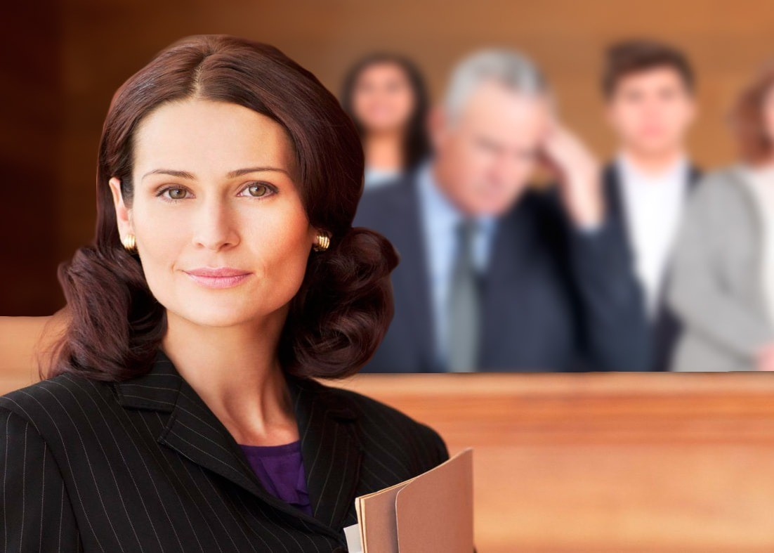 Женщина адвокат