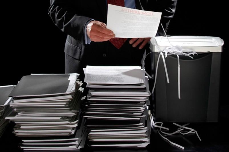 Учредитель уничтожает документы